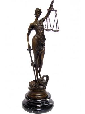 Bronzová soška spravodlivosť