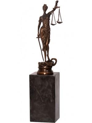 Bronzová socha spravodlivosti